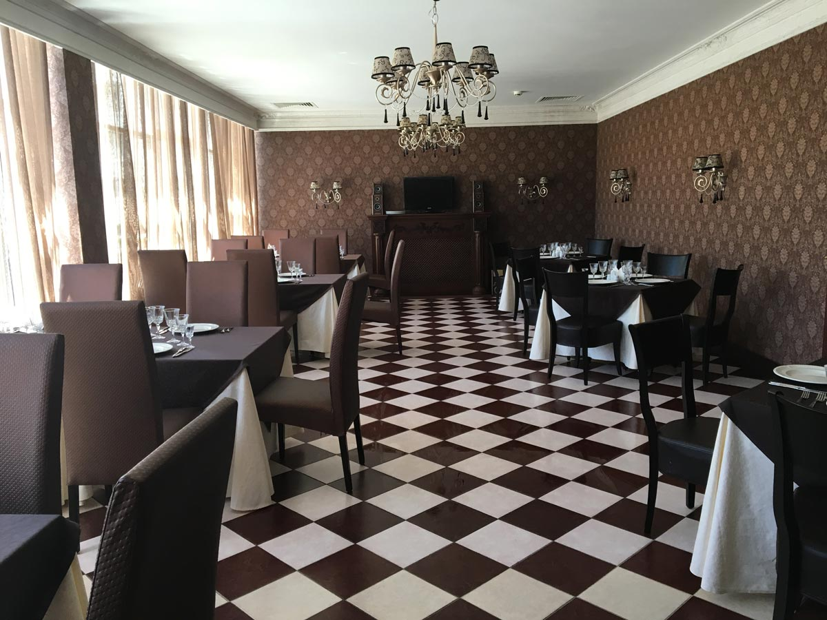 Основной зал
